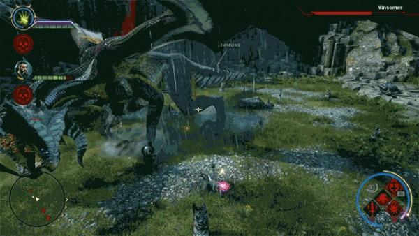 Mal consegue enxergar os personagens perto do dragão, não?