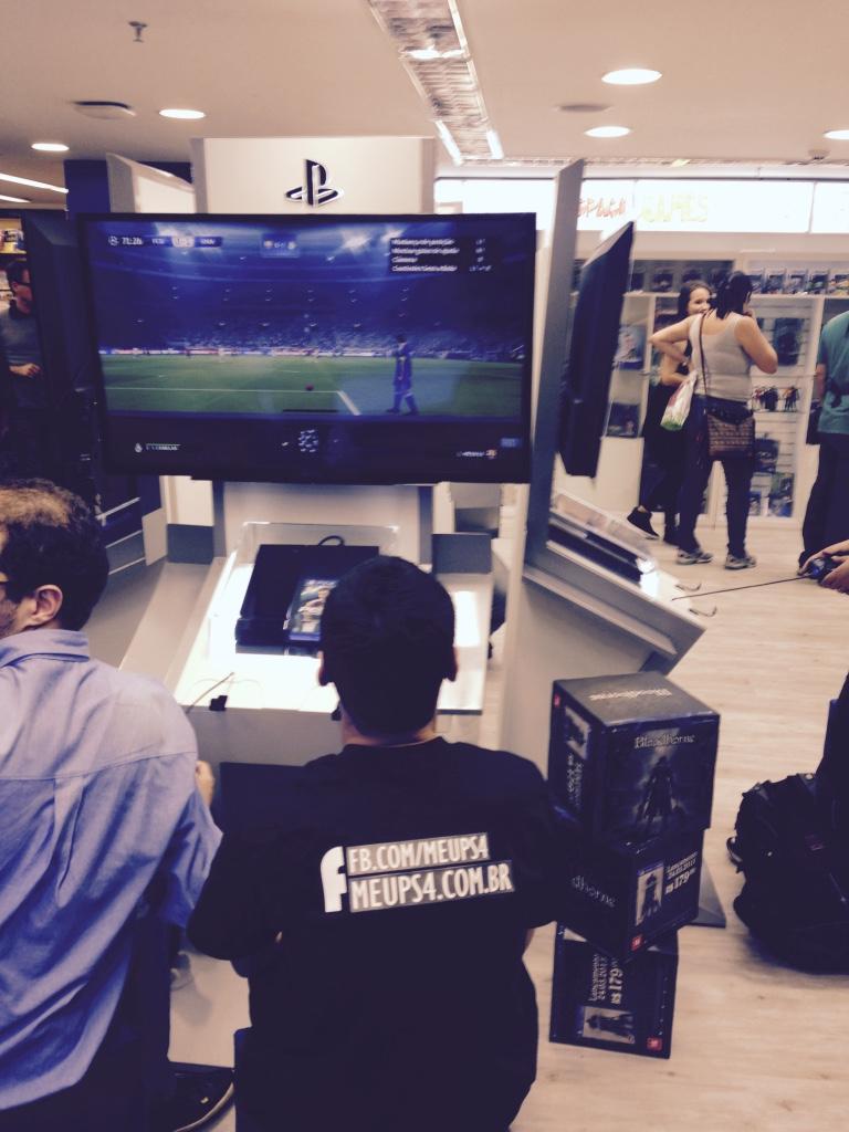 Sony inaugura espaço PS Experience Store no Brasil PS-Experience_22