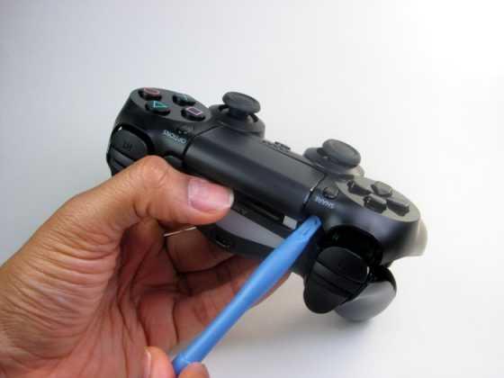 Como trocar os botões e analógicos do DualShock 4 3