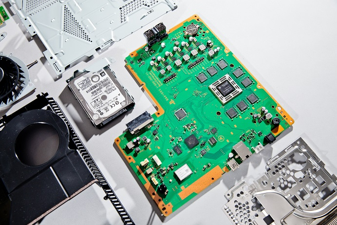 Curiosidade: O que tem dentro de um PlayStation 4?