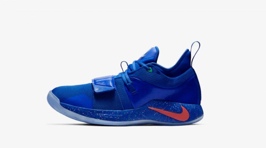 Tênis do PlayStation em parceria com a Nike e Paul George, chega amanhã na cor azul