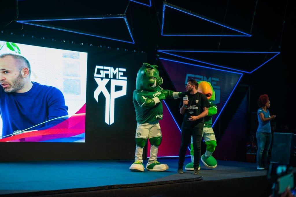 Diretor de eFootball PES destacou participação de Iniesta (Foto: Divulgação Game XP)
