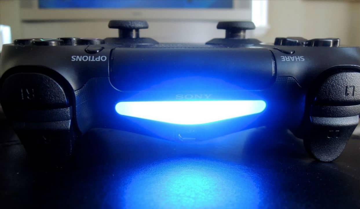 Patente do DualShock 5 revela: controle sem lightbar!