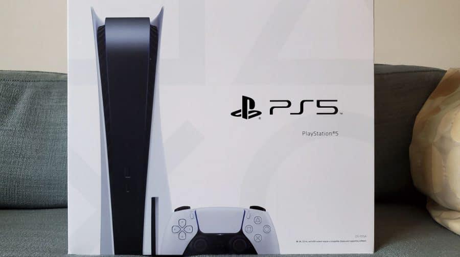 Caixa do PS5 vem com instruções de transferência de dados do PS4
