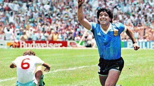 Gol antológico de Diego Maradona é reproduzido em PES 2021