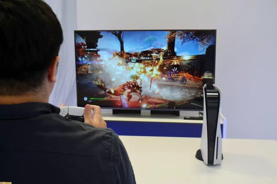 Jogador experimento o PS5 em uma das melhores TVs para os videogames