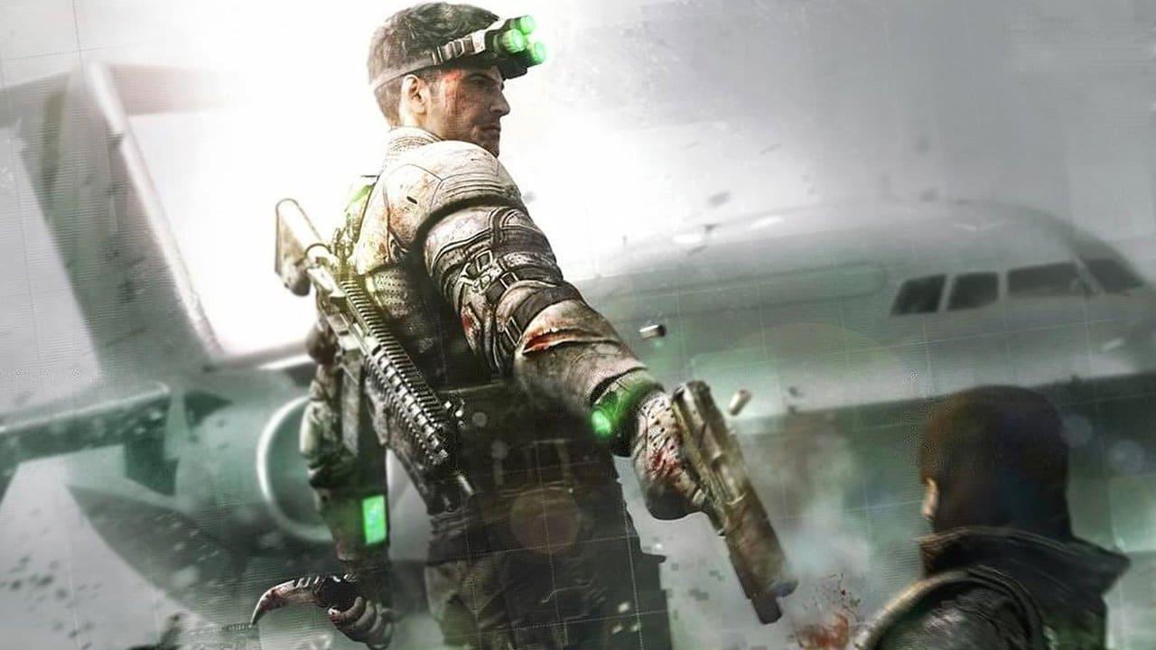 Sam Fisher, de Splinter Cell, executando um soldado com uma pistola.