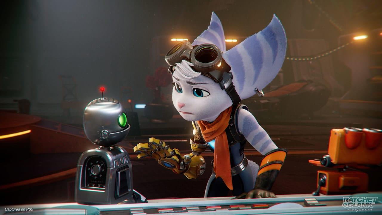Imagem da nova protagonista do novo Ratchet & Clank com cara de preocupação em uma conversa como robô Clank
