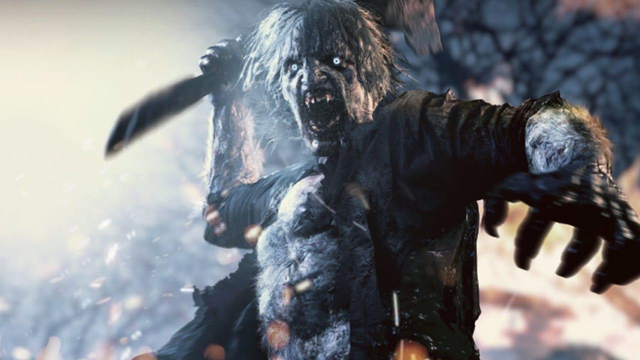 Lycans, novos inimigos de Resident Evil Village, segurando uma machete e em posição de ataque.