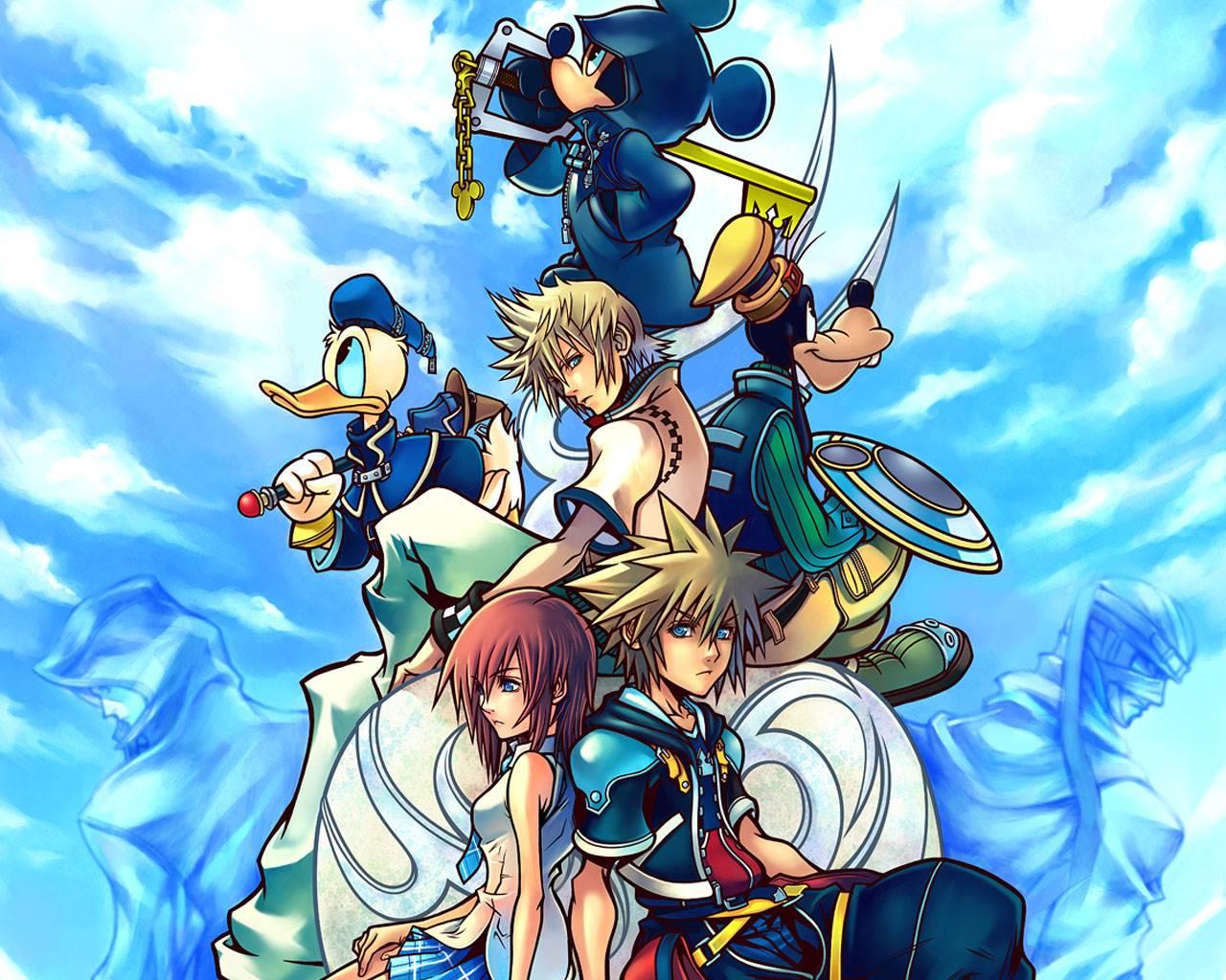 Kingdom Hearts II, jogo de PlayStation 2, capa com os personagens da franquia em plano triangular e fundo azul cheio de nuvens.