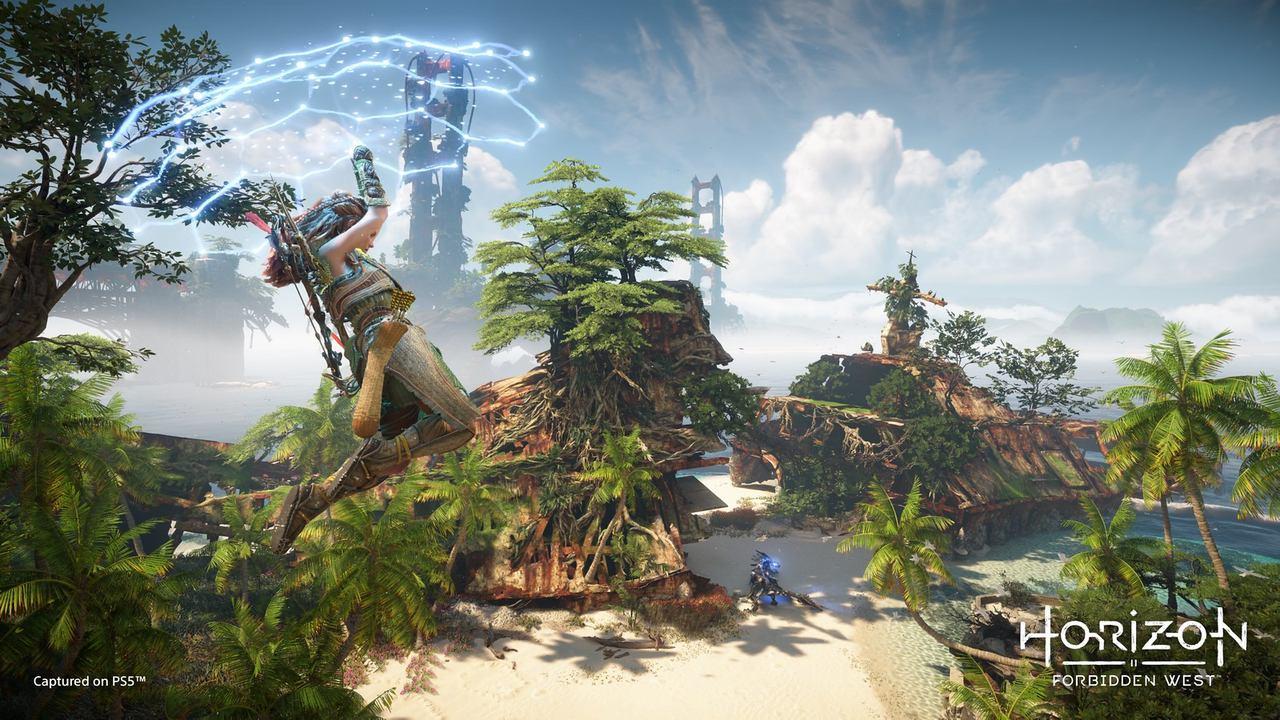 Destacada com a Aloy no arma usando uma tecnologia de paraglinder em uma das imagens de Horizon Forbidden West