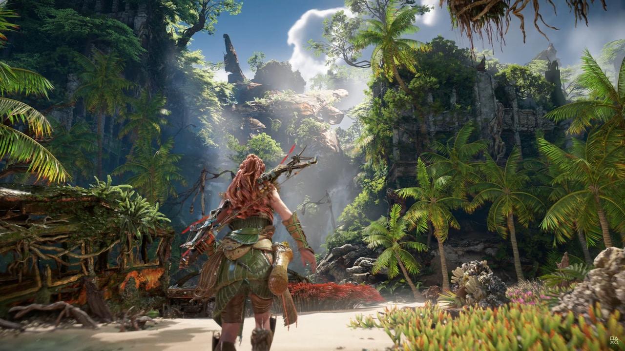 Imagens de Horizon Forbidden West com a protagonista Aloy com um cenário cheio de vegetação