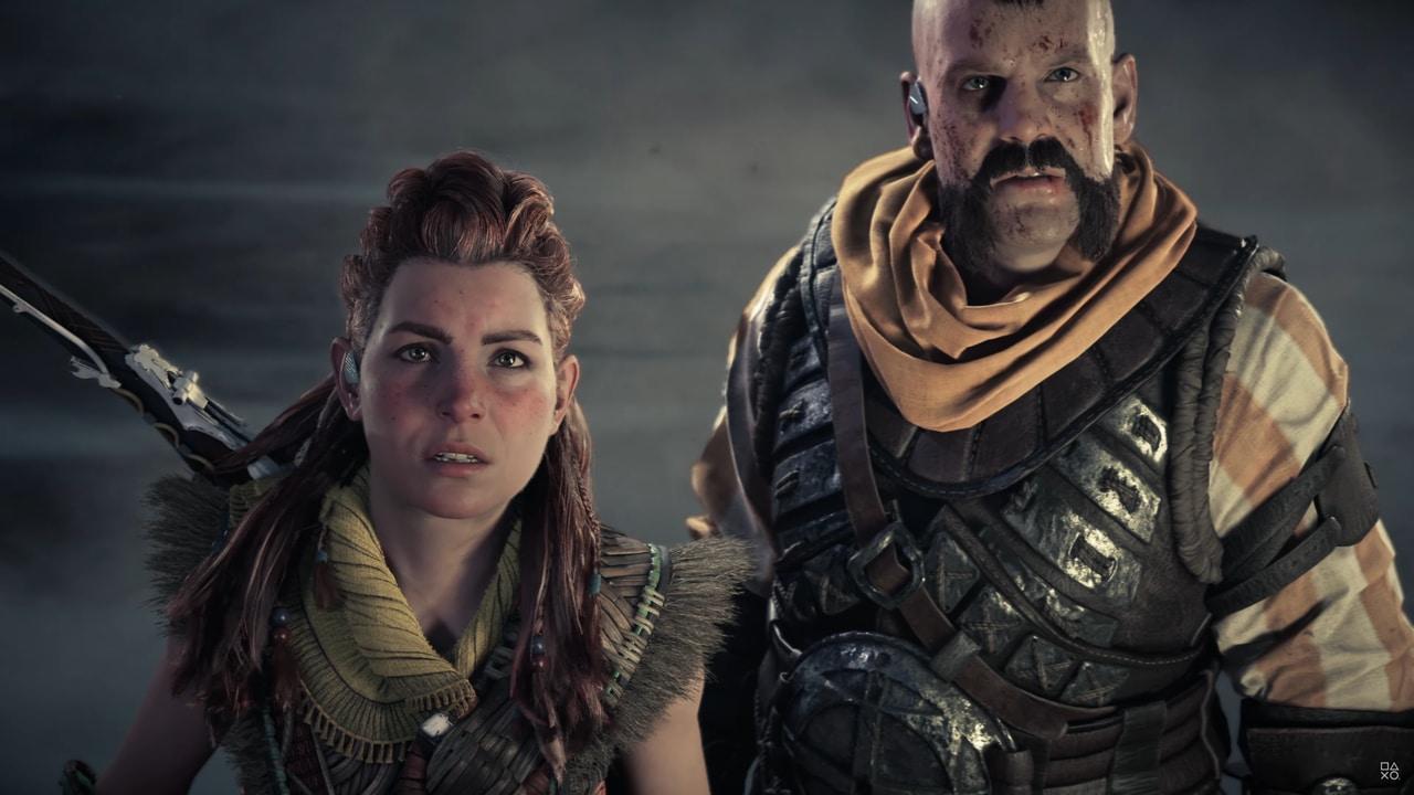 Imagens de Horizon Forbidden West com a protagonista Aloy e seu amigo Erend encarando uma tempestade