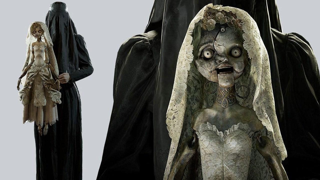 Donna Beneviento, vilã de Resident Evil Village, com uma boneca medonha
