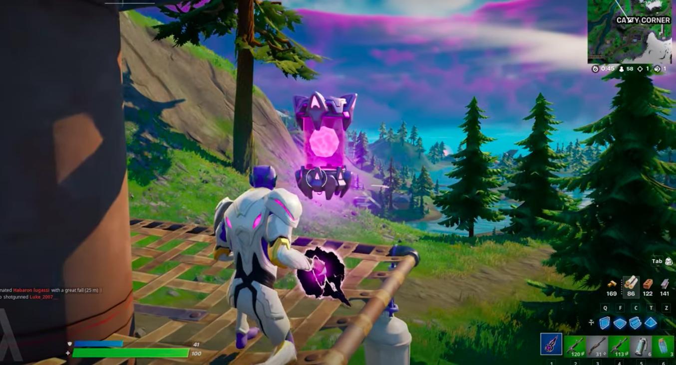 Imagem dos Artefatos Alienígenas em Fortnite com um jogador prestes a pegá-lo