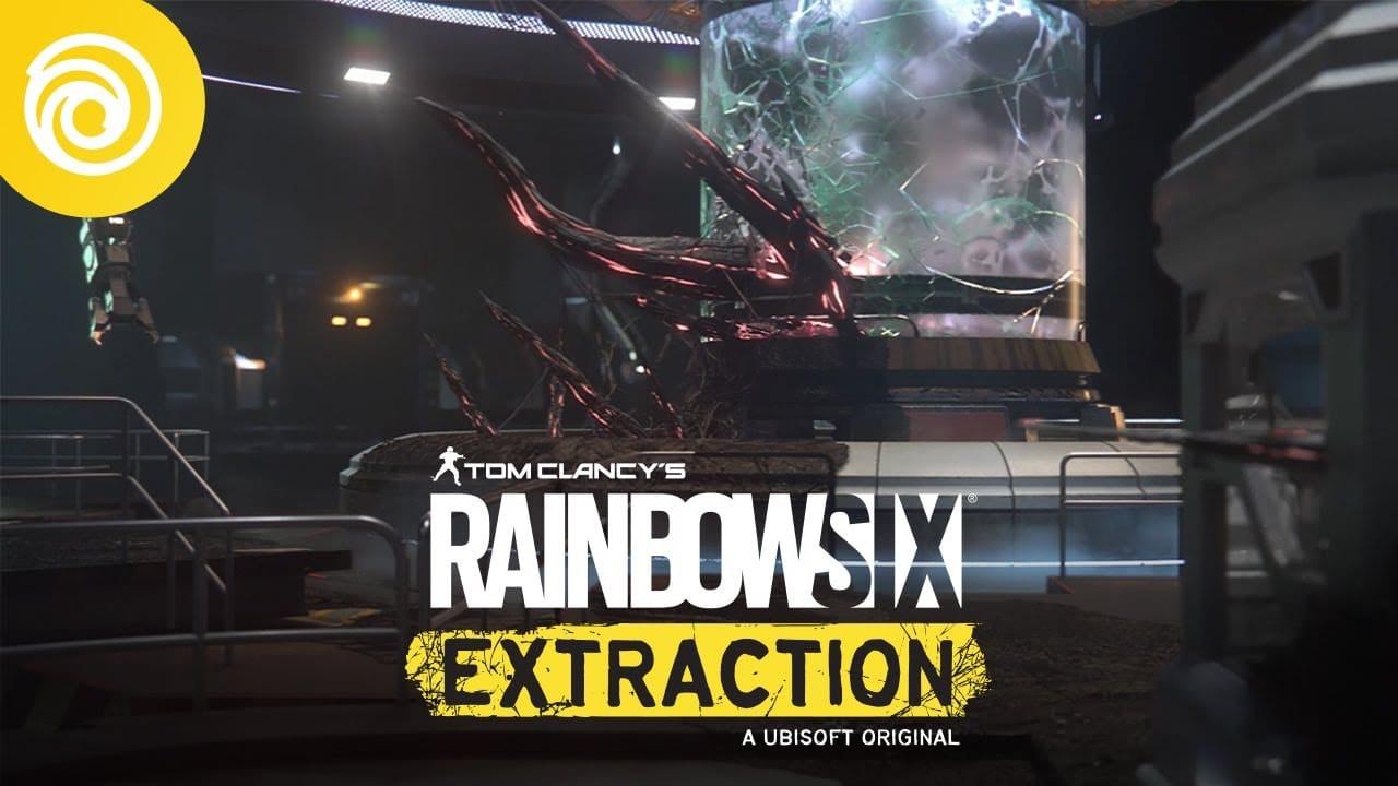 Imagem de capa do jogo Rainbow Six Extraction com um alienígena no fundo e a logo do game