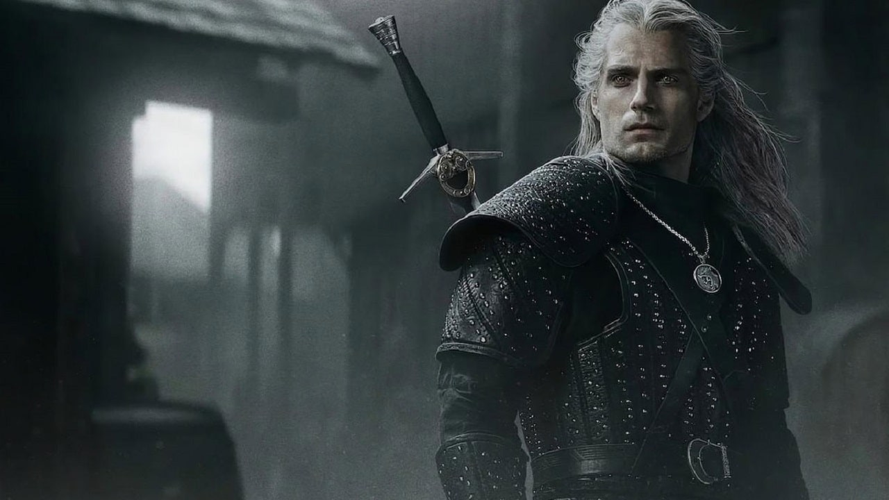 Imagem da matéria sobre a programação completa da WitcherCon que mostra um personagem de cabelos brancos olhando para o lado, ele é o Geralt de The Witcher