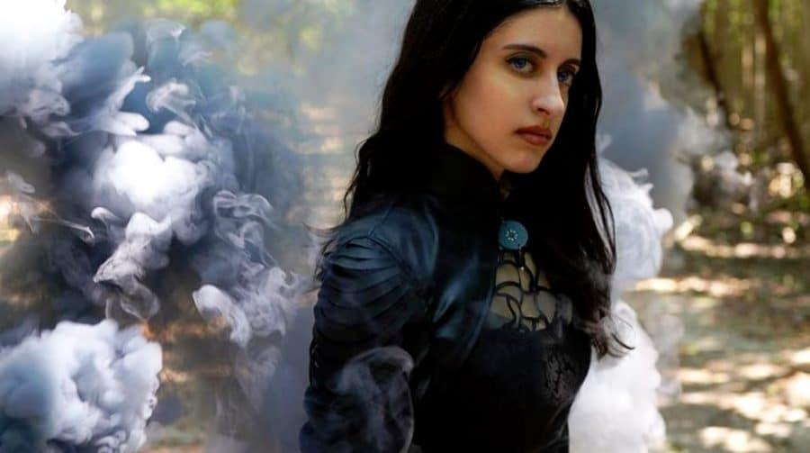 The Witcher: cosplayer de Yennefer é muito parecida com atriz da série