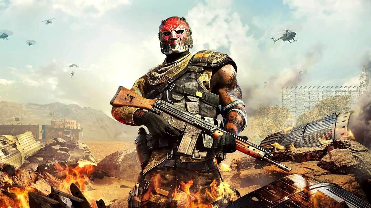 Personagem da 4ª temporada de Warzone segurando uma metralhadora.