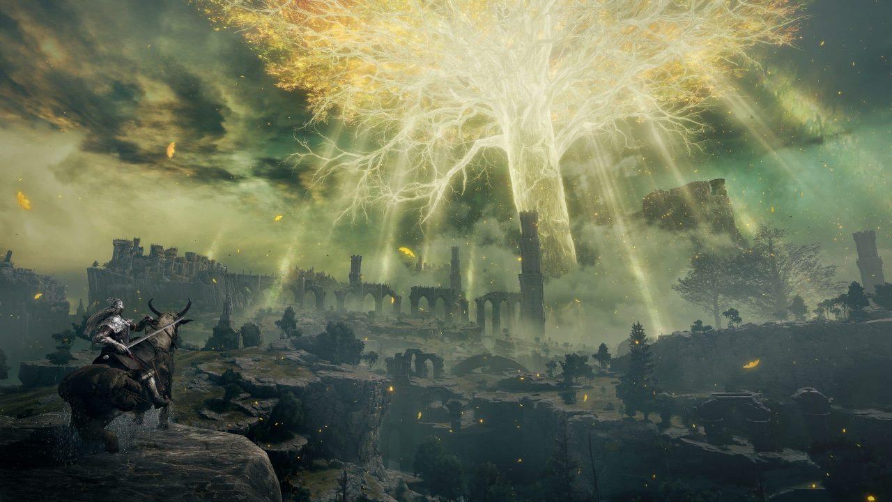 Imagem de capa do jogo Elden Ring com o protagonista olhando o horizonte e uma grande árvore brilhante ao fundo