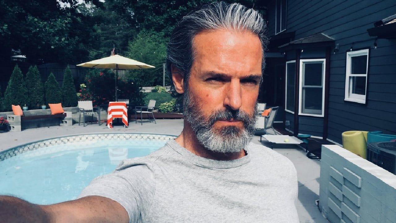 Jeffrey Pierce (Perry) - Elenco da série de The Last of Us