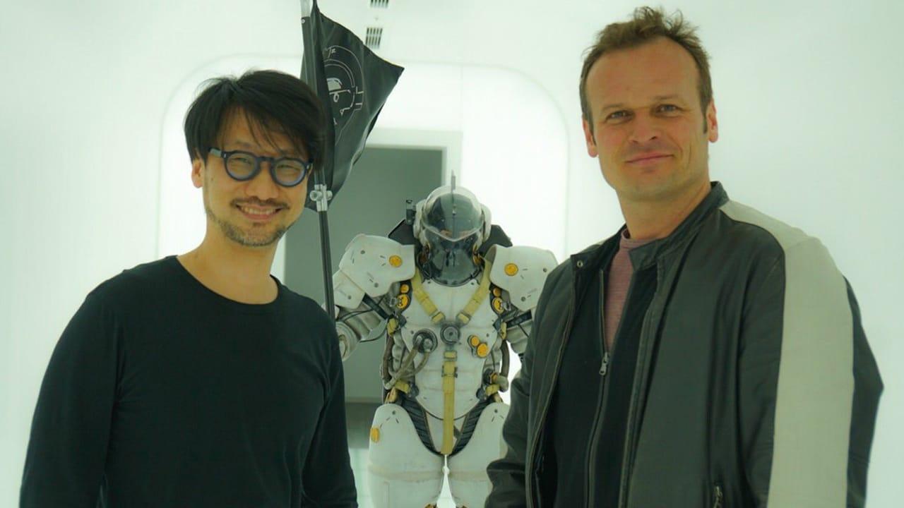 Chefão da PlayStation, Hermen Hulst, ao lado de Hideo Kojima