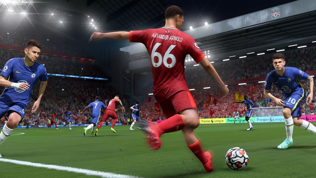 Alexander-Arnold, lateral do Liverpool, chuta a bola em FIFA 22